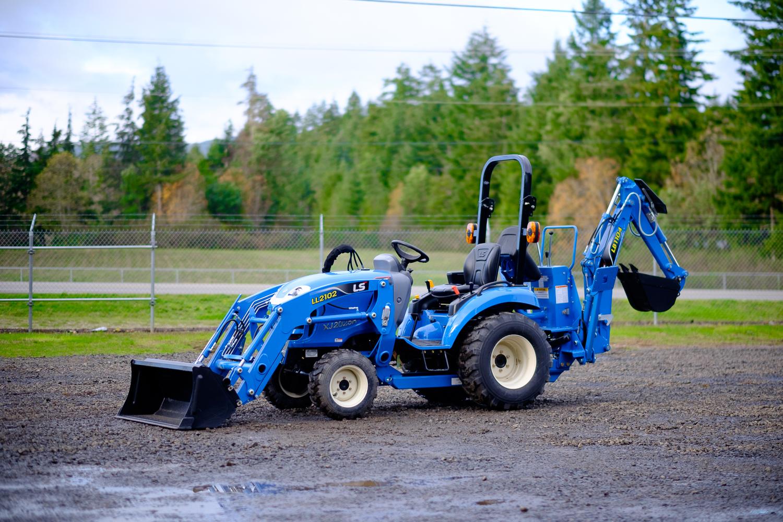LS Tractor XJ2025H w/Backhoe - 24 4HP - Sherlock Equipment